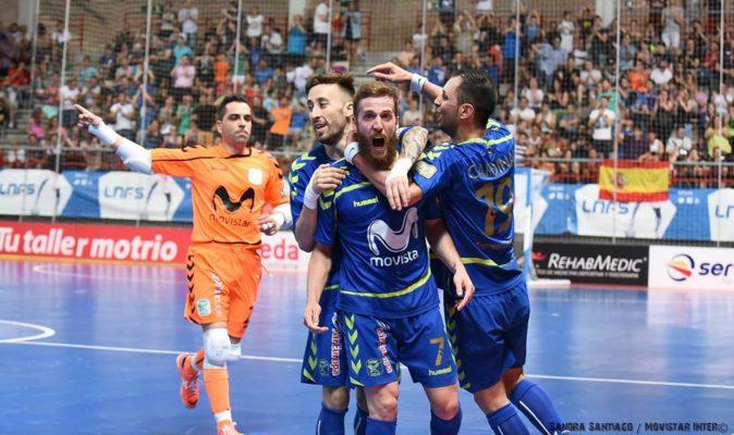 Los jugadores de Movistar Inter celebran un gol anta Barcelona Lassa